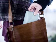 'Verkoper daklozenkrant' berooft dame (89) van portemonnee in Nuenen