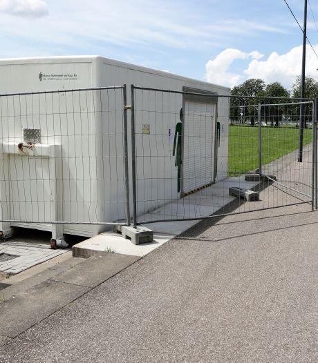 Alwéér is de nieuwe openbare wc in Gorinchem gesloopt, 'hufters' reageert wethouder