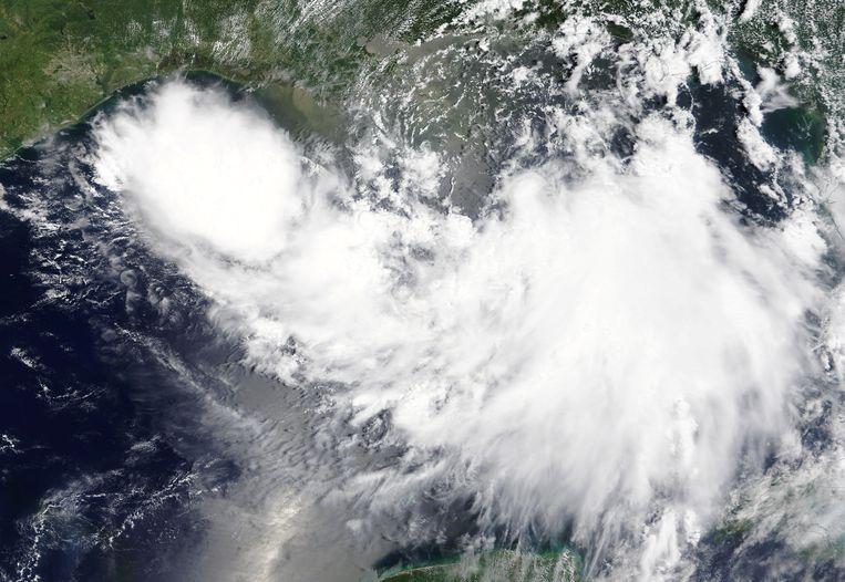 De tropische storm Barry stevent af op de kust van Louisiana.  Beeld NASA/Handout via REUTERS