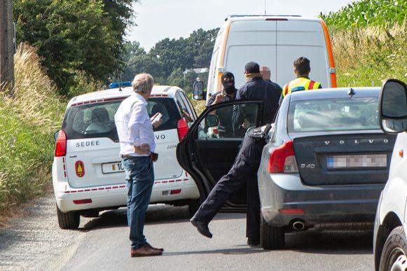 Militairen van DOVO kwamen rond 16 uur ter plaatse voor een controle van het pakket.