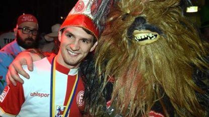 Raman viert zijn 2 goals in 10 minuten met... Chewbacca