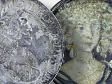 Uniek! Hobby-archeoloog vindt olieverfschilderij van 300 jaar oud in Utrechtse bodem