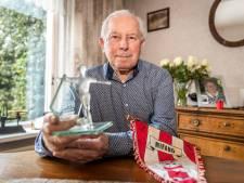 Cas van de Vossenberg al tachtig jaar lid van Mifano: 'Als rechterspits was ik de schrik van elke tegenstander'