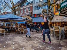 Gemist? Den Haag vertrouwt op de burger en terrassen mogen open, maar waar is het personeel?