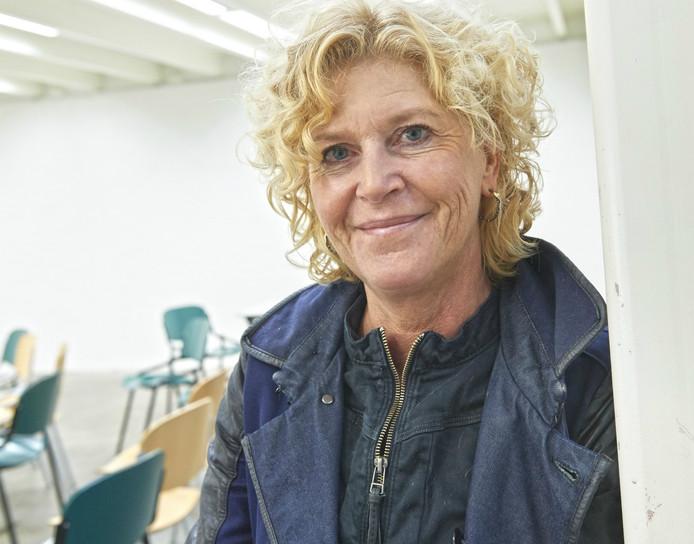 Myriam Simons.