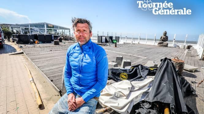 """""""Vroeger was het evident dat er volk zat, nu zijn we er vooral heel dankbaar voor"""": Sven (52) van Reef Café zet 700 terrasstoelen buiten"""