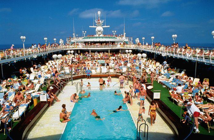 Badderen aan boord van een cruiseschip. De cruise-industrie verwacht dat dit jaar weer kan.