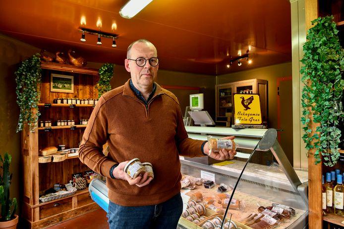"""De Bekegemse foie gras is voorlopig nog te koop bij Filip Callemeyn. """"Wanneer ik stop met m'n zaak, kies ik zelf. Ik heb nieuwe kuikens besteld en ga nog wel een tijdje door."""""""