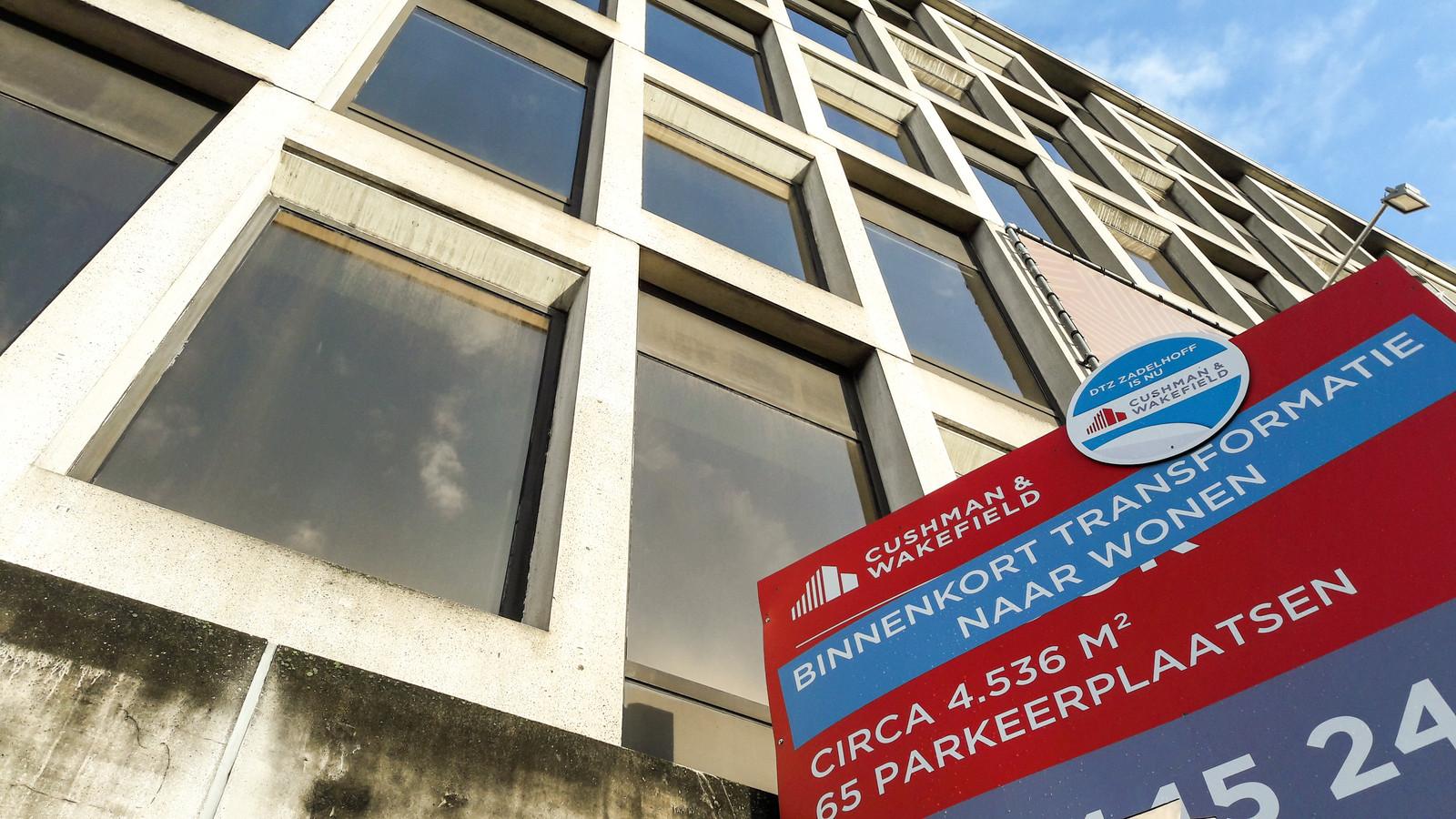 Kantoorgebouw aan de Jansbuitensingel in Arnhem wordt omgebouwd tot appartementencomplex.