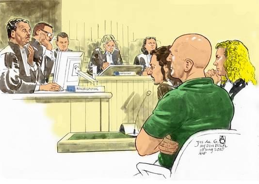 Hoger beroep tegen Jos de G. (voor, naast zijn advocaat Job Knoester), die wordt verdacht van verkrachting en doodslag van de vijftienjarige scholiere Nicole van den Hurk uit Eindhoven.