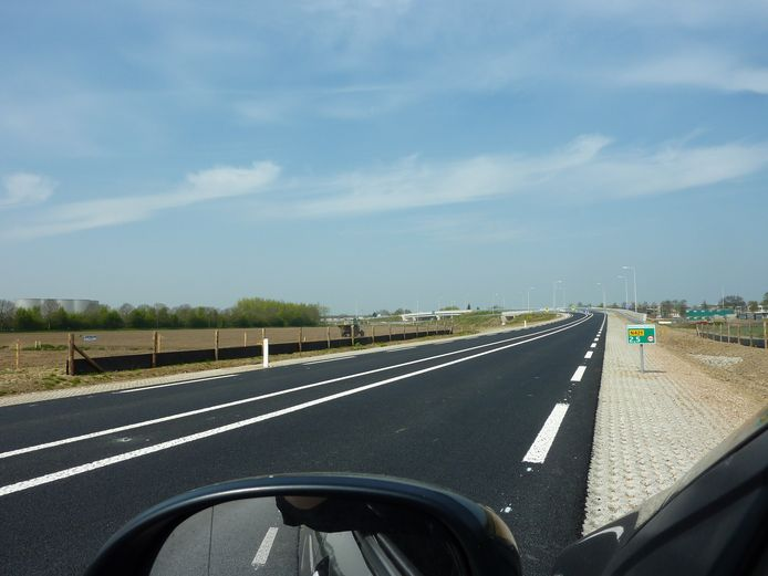 Na de opening in 2015 werd de Limesbaan niet erg druk bereden. De gewenste aansluiting op de A12 in oostelijke richting moet de weg een stuk drukker maken.