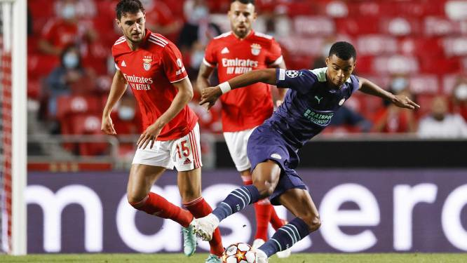 PSV gaat met 2-1 onderuit bij Benfica, maar kan moed putten uit goede tweede helft