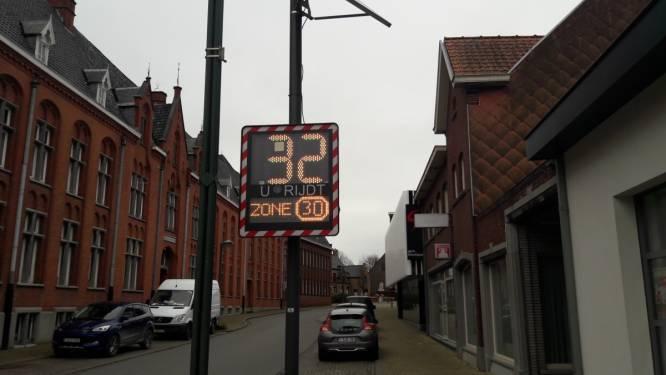 """Dynamische led-verkeersborden voor zone 30 en 50: """"Bestuurders soms onwetend in overtreding"""""""