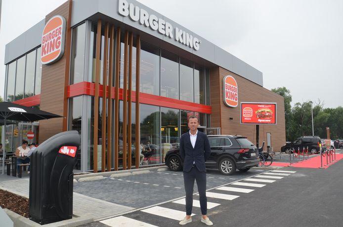 Franchisenemer Yves Loncke op de openingsdag van Burger King Ninove.