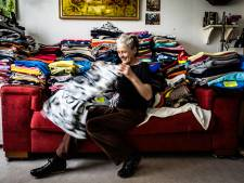 José maakt 'slaapzakjes' voor zieke en gewonde dieren