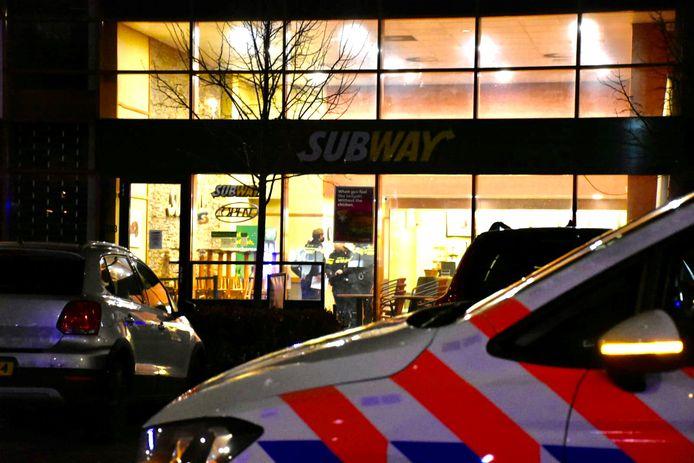 Rond achten werd Subway aan het Europaplein in Utrecht overvallen.