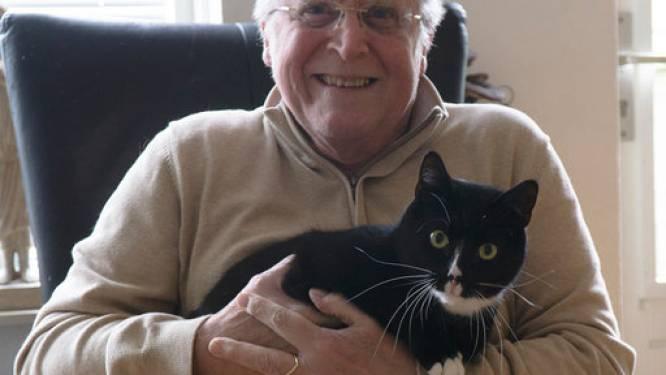 Schrijver Robert-Jan Blom kruipt in de vacht van zijn kat Tommy (en zo kom je veel te weten over katten)