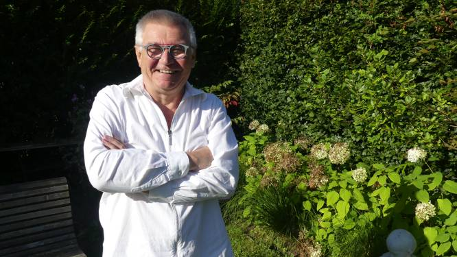 Verhalenverteller Frank richt theatergezelschap Het Salon op