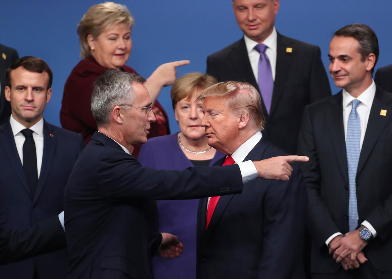 NAVO-chef Jens Stoltenberg met de Amerikaanse president Trump bij de 70ste verjaardag van het bondgenootschap eerder deze maand in Londen. Beeld AP