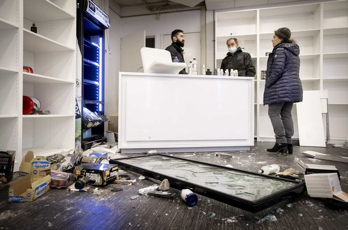 The day after: winkeliers meten de schade op.
