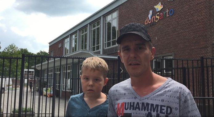 Kevin en zoontje voor school Don Sarto in Tilburg