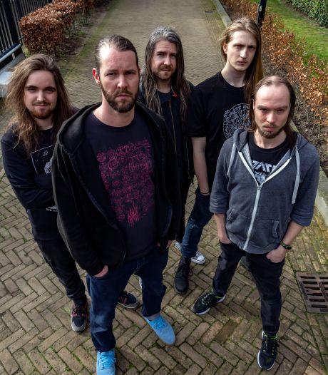 Extreme metal op het ritme van Tilburgse weefgetouwen