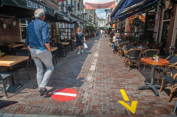 Ingang Korte Putstraat ter hoogte van de Lange Putstraat.