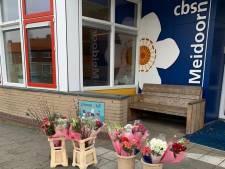Bloemenvoorraad marktkoopman uitgedeeld in Oldebroek
