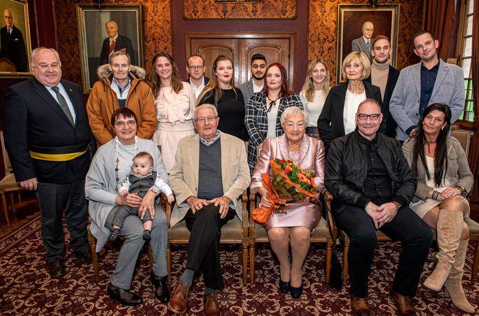 Gustaaf Vanhecke en Janny Boudry werden op het stadhuis ontvangen voor hun 60-jarig jubileum.