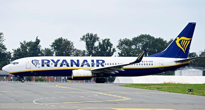 Een vliegtuig van Ryanair op de luchthaven in Charleroi.