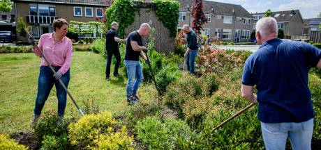 Bewoners Ravelstraat in Haaksbergen zijn hecht met elkaar: 'Wij houden acht keer per jaar NLdoet'