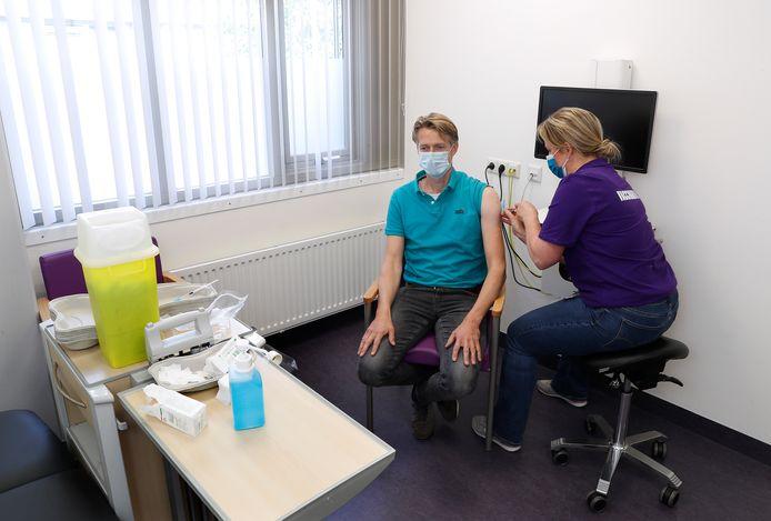 SKB hoeft niet te helpen met het vaccineren, zo heeft het Winterswijkse ziekenhuis te horen gekregen van het ministerie.