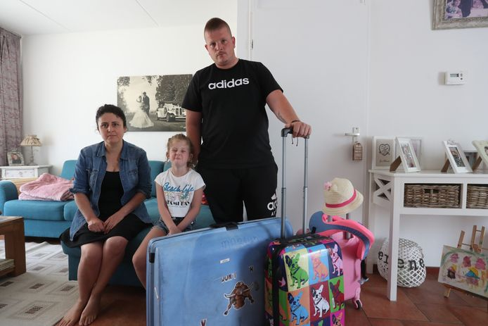 Martijn van Gulick zou met zijn vrouw Perian en dochter Lorien naar Kreta gaan, maar een QR-code ontbrak.