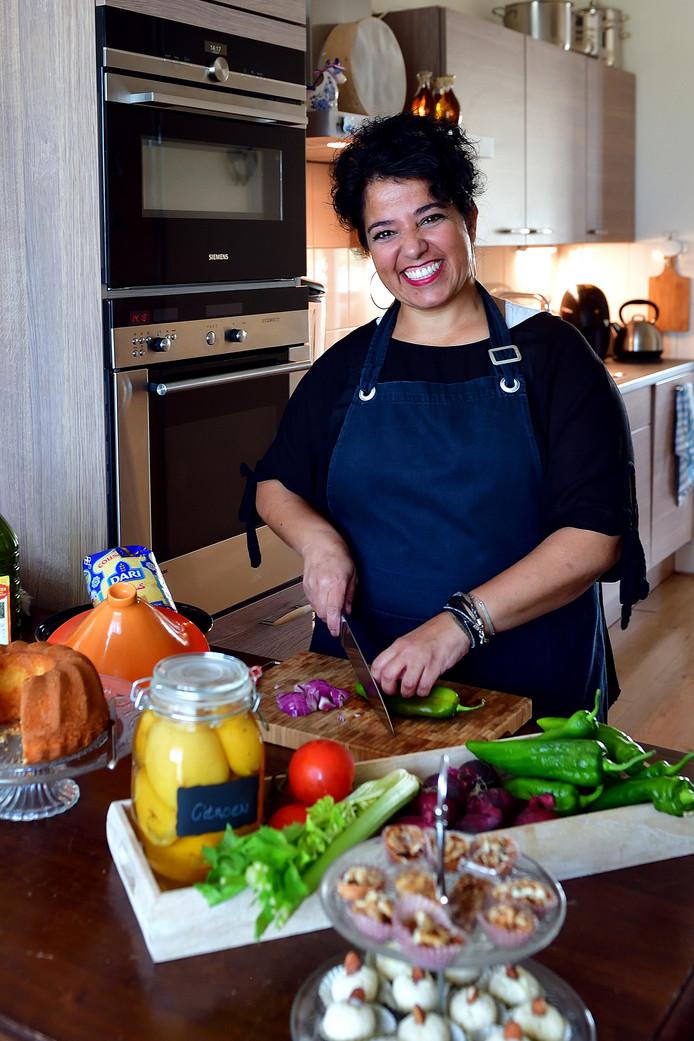 Miriam Aidani met haar bedrijf Oumami food.