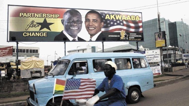 Op billboards in Accra heet president Atta Mills collega Obama welkom voor zijn bezoek aan Ghana. (EPA) Beeld EPA