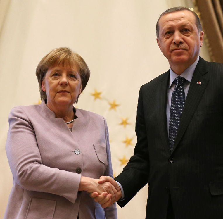 Duits bondskanselier Angela Merkel en Turks president Recep Tayyip Erdogan begin februari in Ankara. Beeld AP