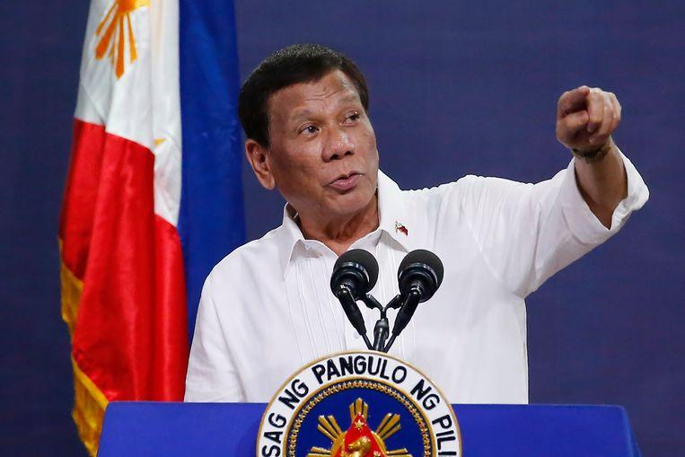 De Filipijnse president Rodrigo Duterte zocht steun voor zijn antidrugsbeleid via misleidende berichten op Facebook. Beeld AP