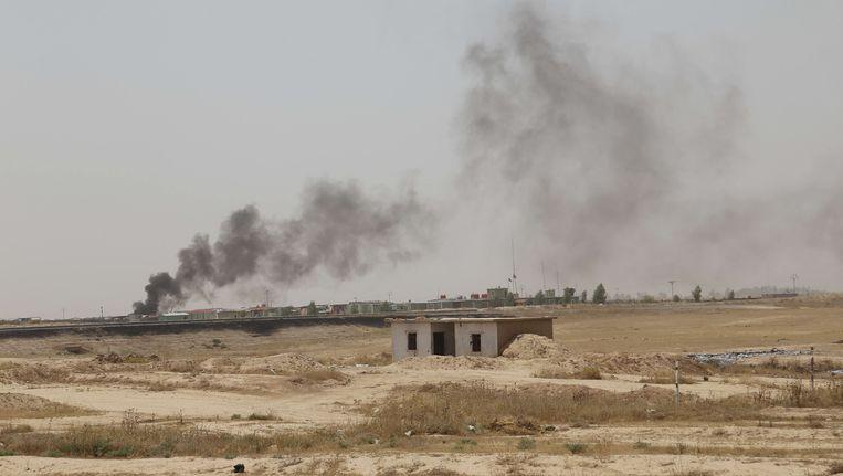 Koerdische troepen en speciale eenheden van het Iraakse leger nabij Kirkuk Beeld getty