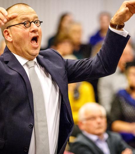 Staphorster burgemeester dirigeert gelegenheidskoor