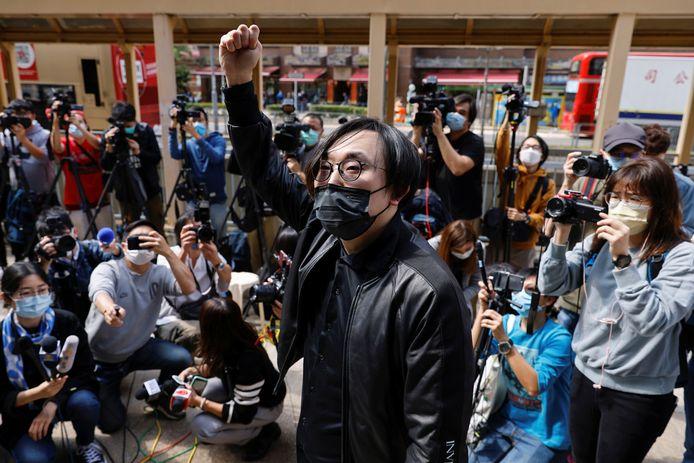 Le militant pro-démocratie Mike Lam King-nam ce 28 février à son arrivée au poste de police pour des accusations liées à la loi sur la sécurité nationale.