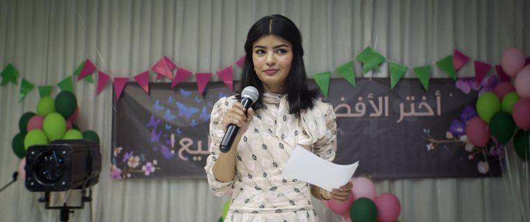 Mila Al Zahrani als de arts Maryam, die zich in The Perfect Candidate verkiesbaar stelt voor de gemeenteraad. Beeld