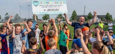 Voetbaljeugd De Markiezaten loopt ruim 3600 euro bij elkaar met vierdaagse