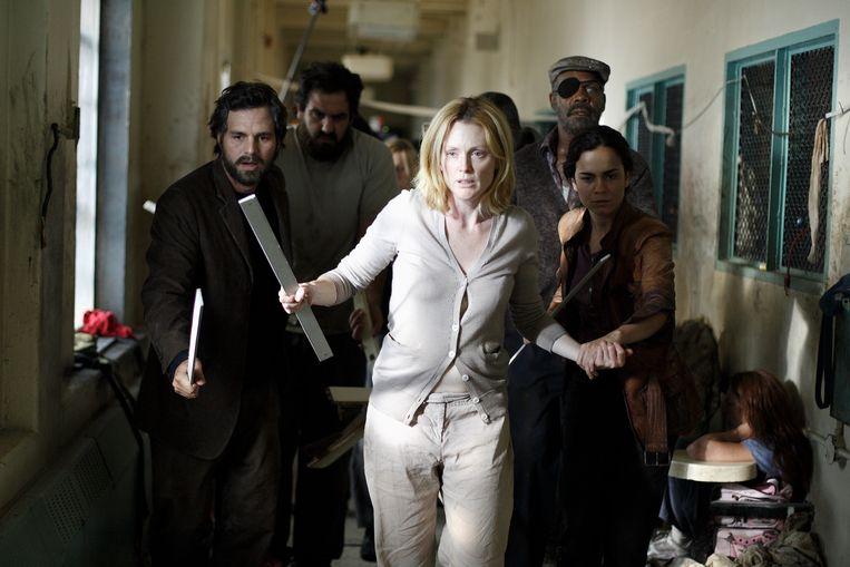 Mark Ruffalo en Julianne Moore in 'Blindness' (2008), de verfilming van 'De stad der blinden'. Beeld DOCUMENTATION