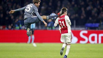 Zes goals (waarvan vier in het absolute slot) en twee rode kaarten in knotsgekke 3-3 tussen Ajax & Bayern