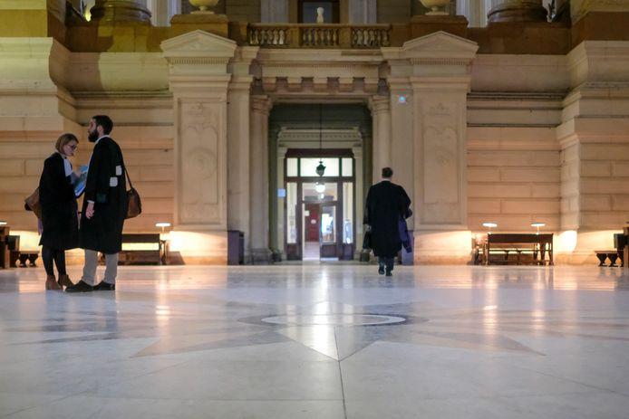 Brussels justitiepaleis, waar de man zich moest verantwoorden voor verboden wapenbezit