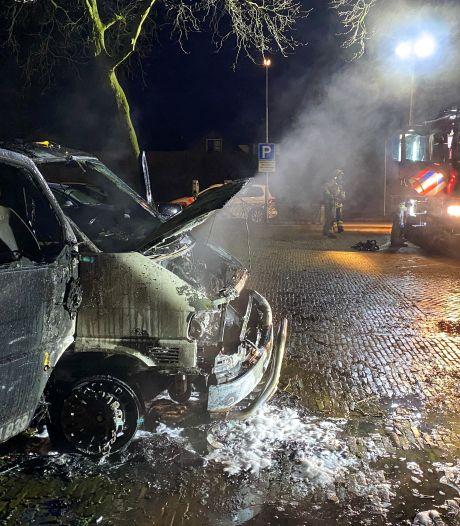 Eigenaar afgebrande bus Ermelo looft 10.000 euro uit voor gouden tip: 'Als ik de dader maar heb!'