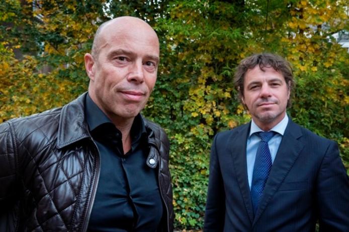 Maarten de Gruyter (rechts) met zijn opvolger Jan-Hein Schouten.