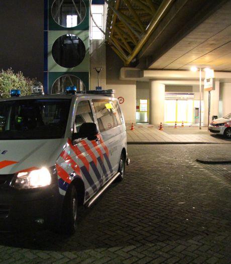 Jongen (14) neergestoken in metrostation Spijkenisse, politie arresteert 13-jarige verdachte