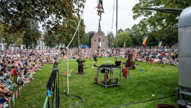 IN BEELD. Boulevart brengt vertier voor massa volk