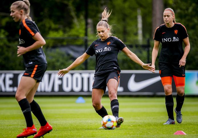 Lieke Martens tijdens een training van Oranje.